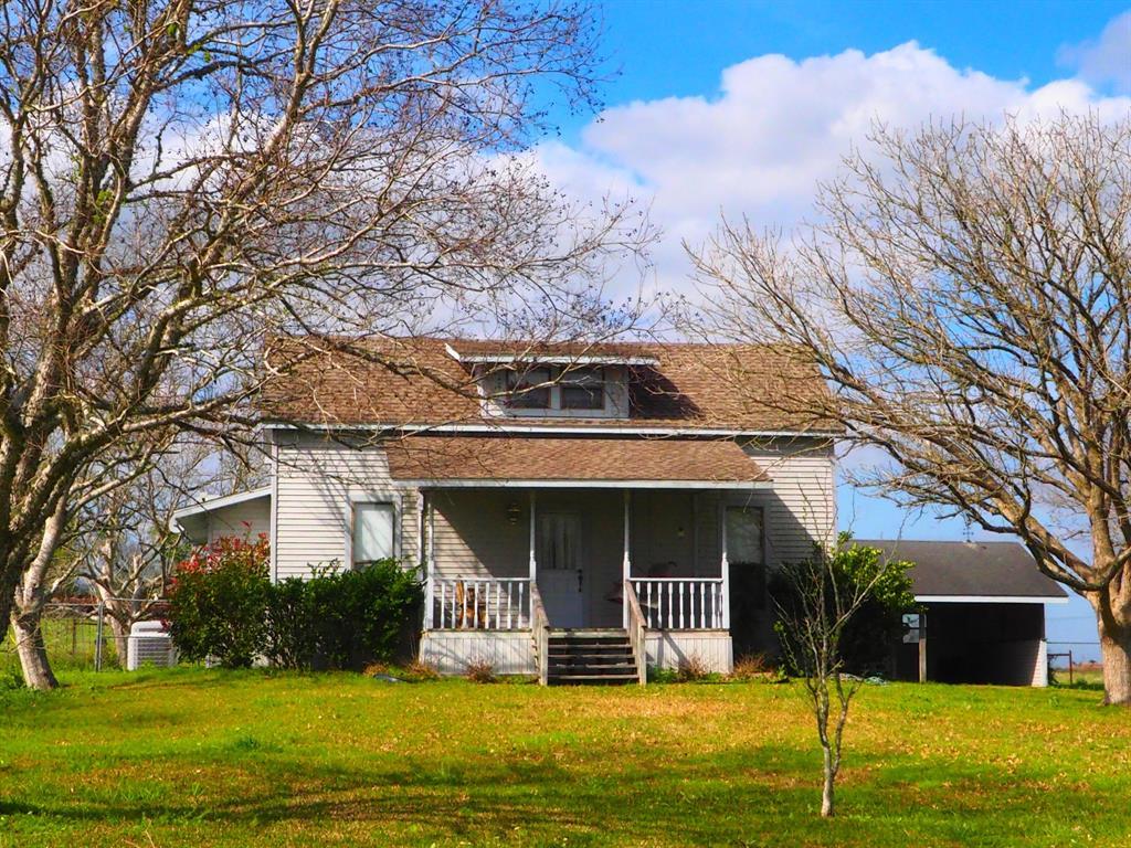 11941 Fm 1383 Property Photo - Schulenburg, TX real estate listing