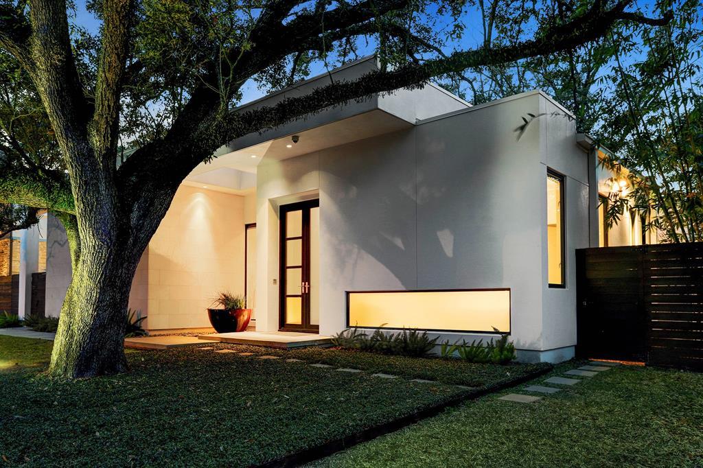 721 E Creekside Drive Property Photo - Hunters Creek Village, TX real estate listing