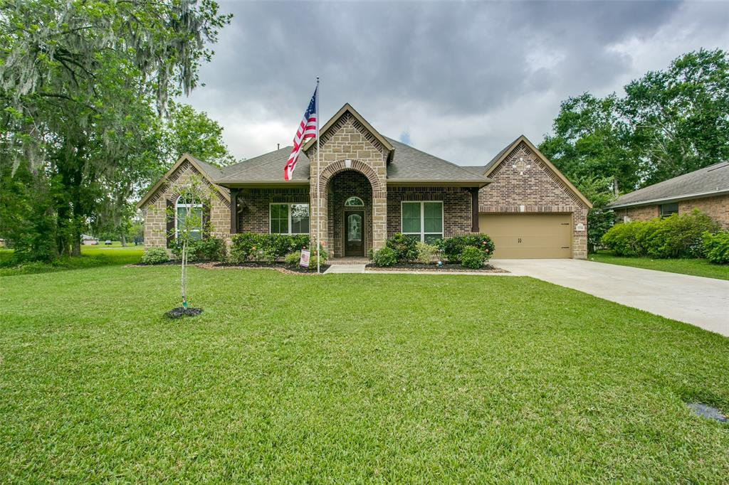 2316 Shalmar Drive Property Photo - West Columbia, TX real estate listing