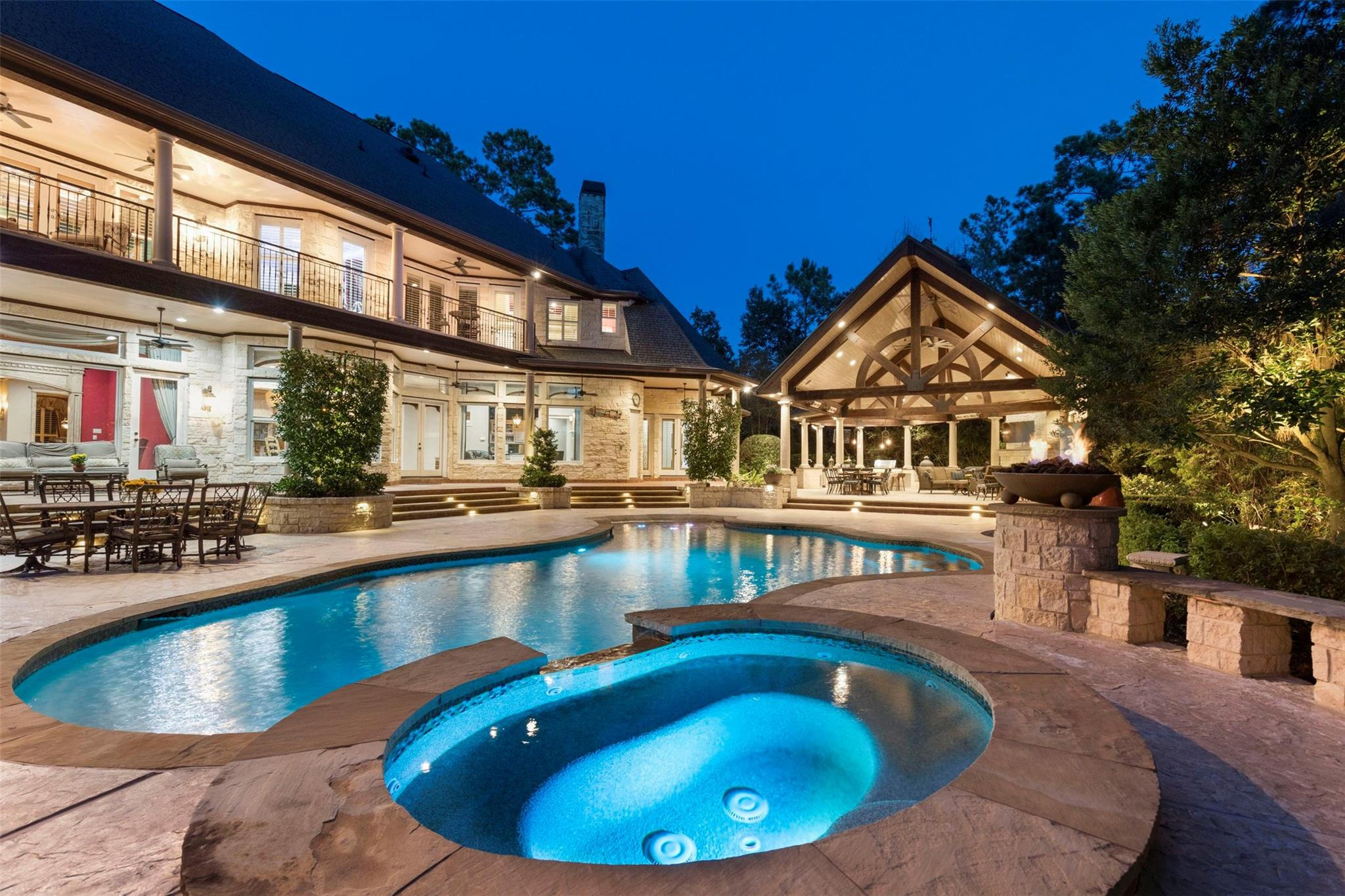 30 Palmer Crest Court Property Photo - The Woodlands, TX real estate listing