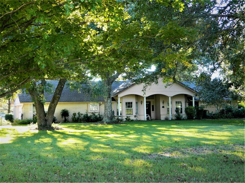 421 Brazos Hill Lane, Sealy, TX 77474 - Sealy, TX real estate listing