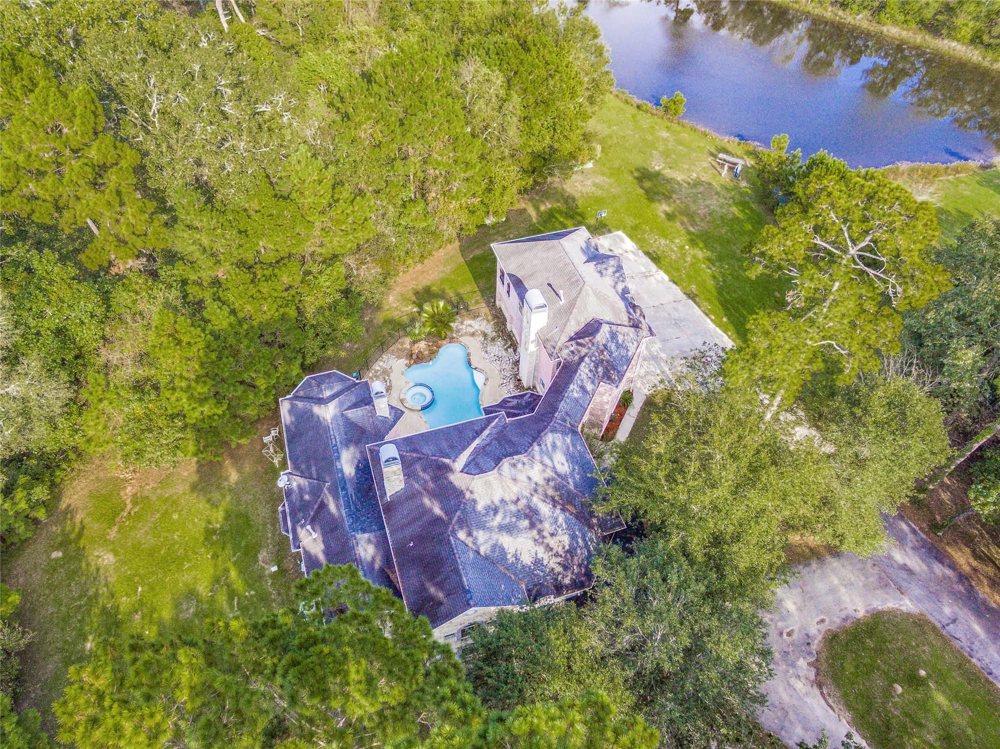 24009 Misty Lake Circle Property Photo