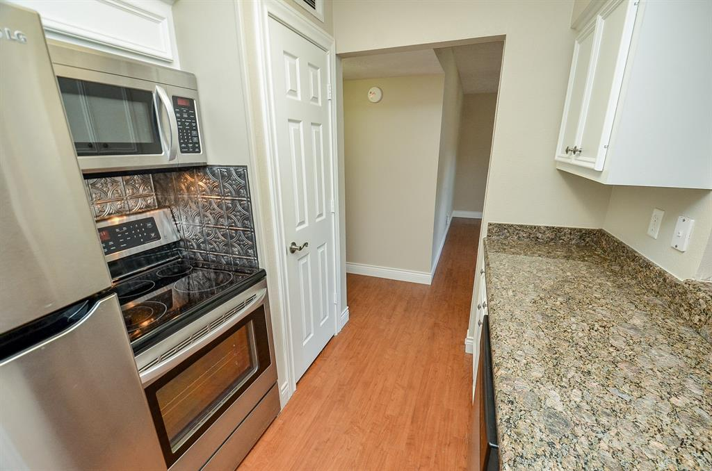 9029 Gaylord Drive #123 Property Photo - Hedwig Village, TX real estate listing
