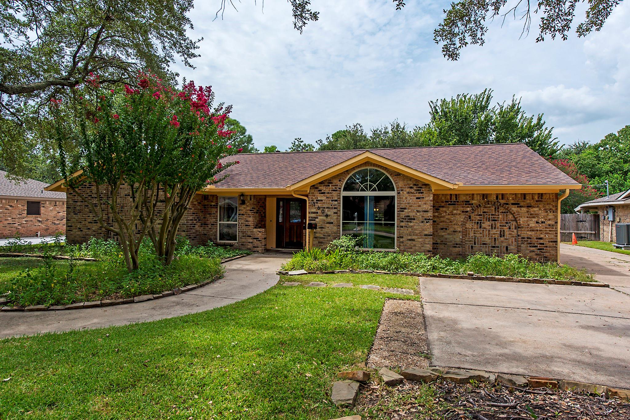 1606 Norwood Street Property Photo - Deer Park, TX real estate listing