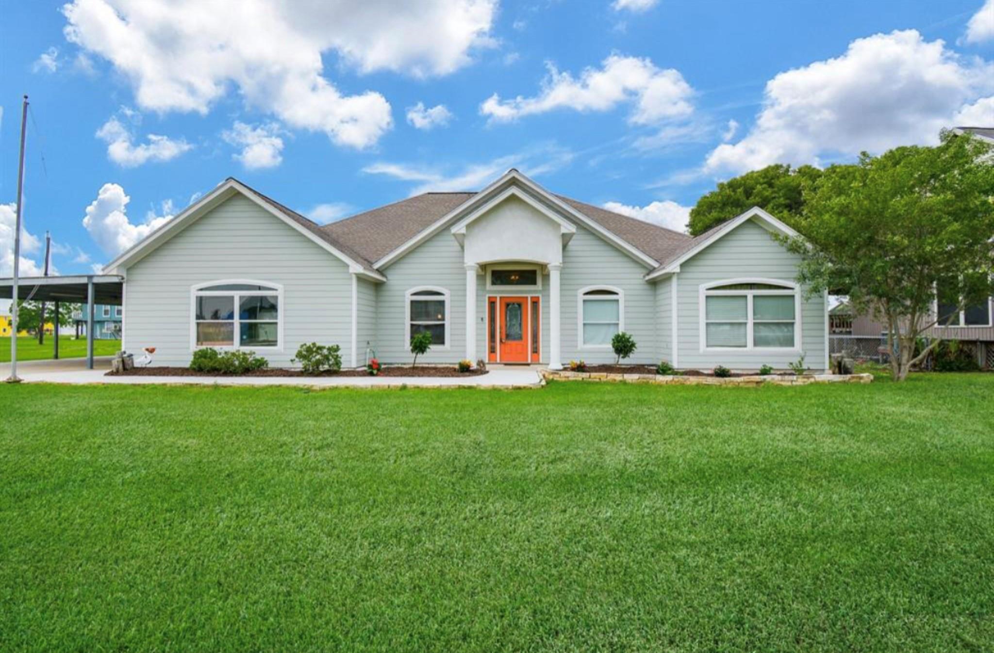 322 Bayview Drive Property Photo