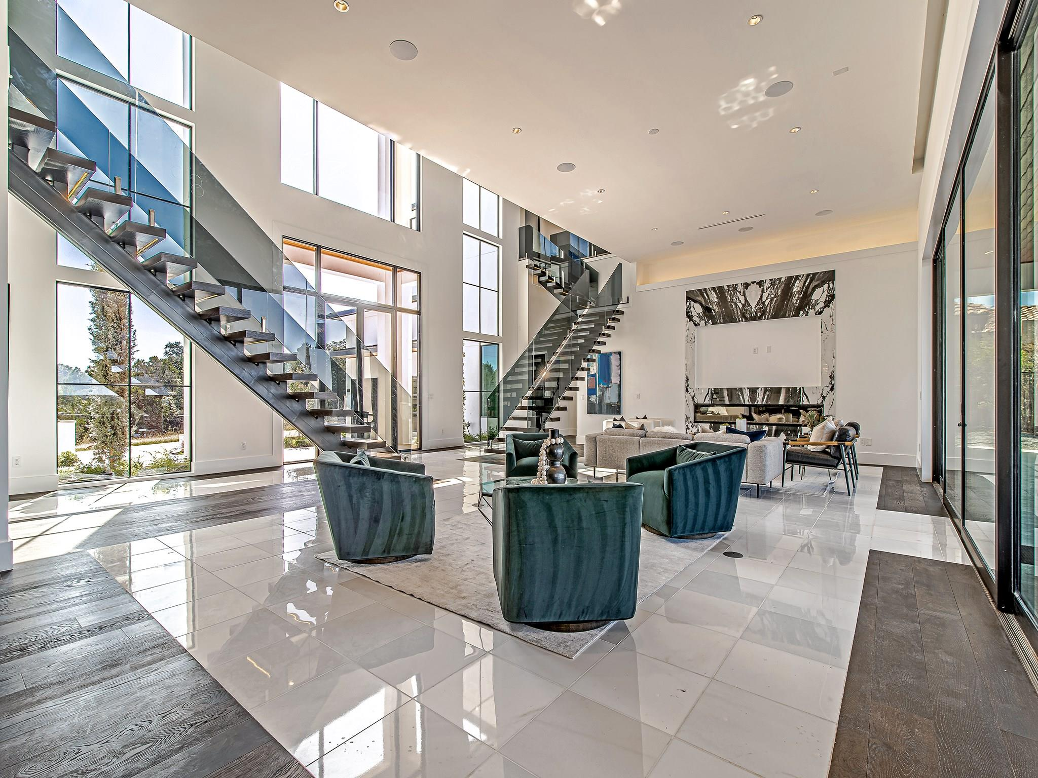912 Watercliffe Drive Property Photo - Lago Vista, TX real estate listing