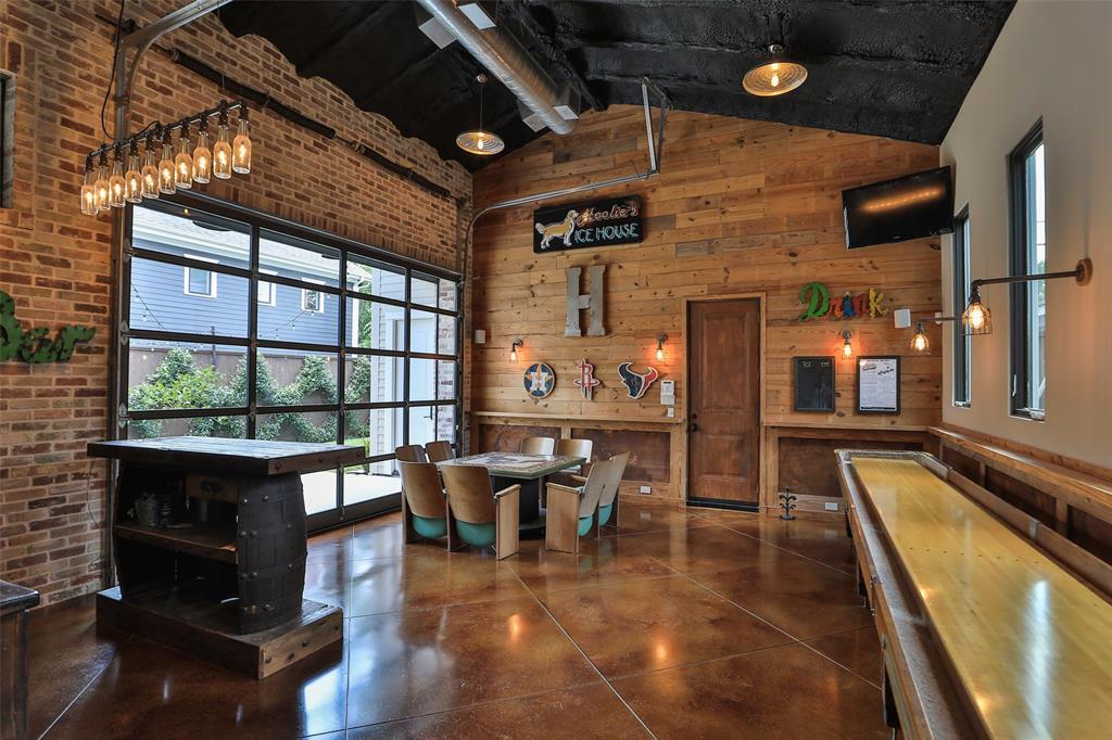 1305 Ashland Street Property Photo