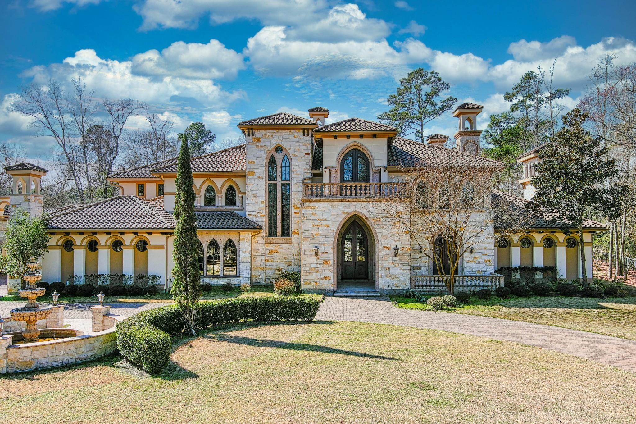 15 Estancia Place Property Photo - Spring, TX real estate listing