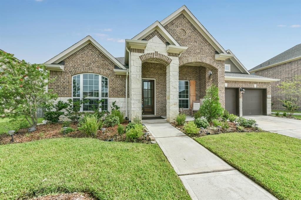 2202 Briarstone Bluff Crossing Property Photo - Pearland, TX real estate listing
