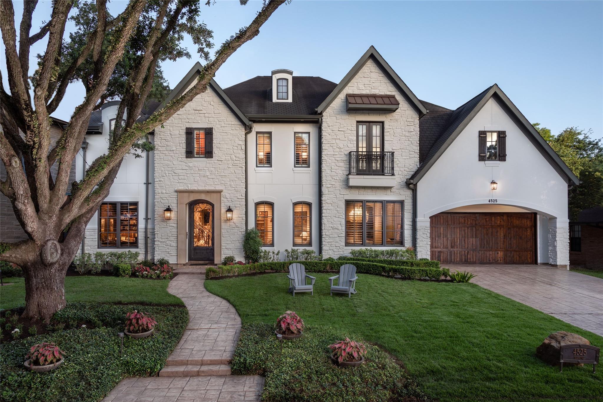 4525 Waring Street Property Photo