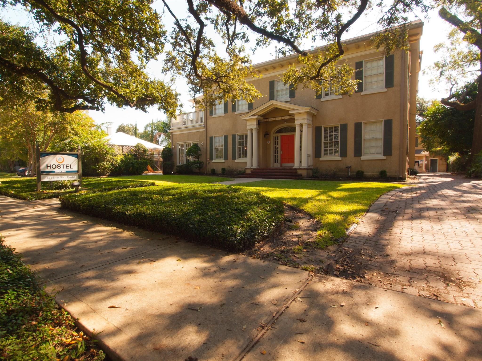 501 Lovett Boulevard Property Photo - Houston, TX real estate listing