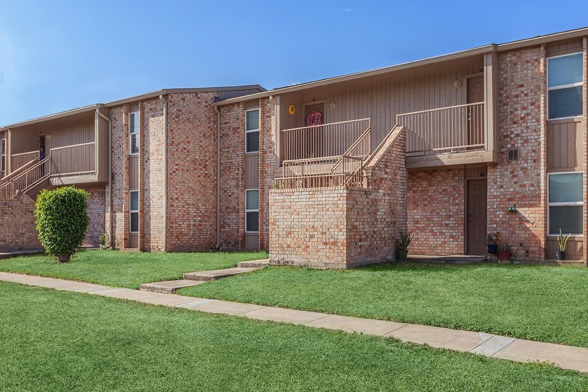 2401 La Vista Avenue Property Photo - McAllen, TX real estate listing