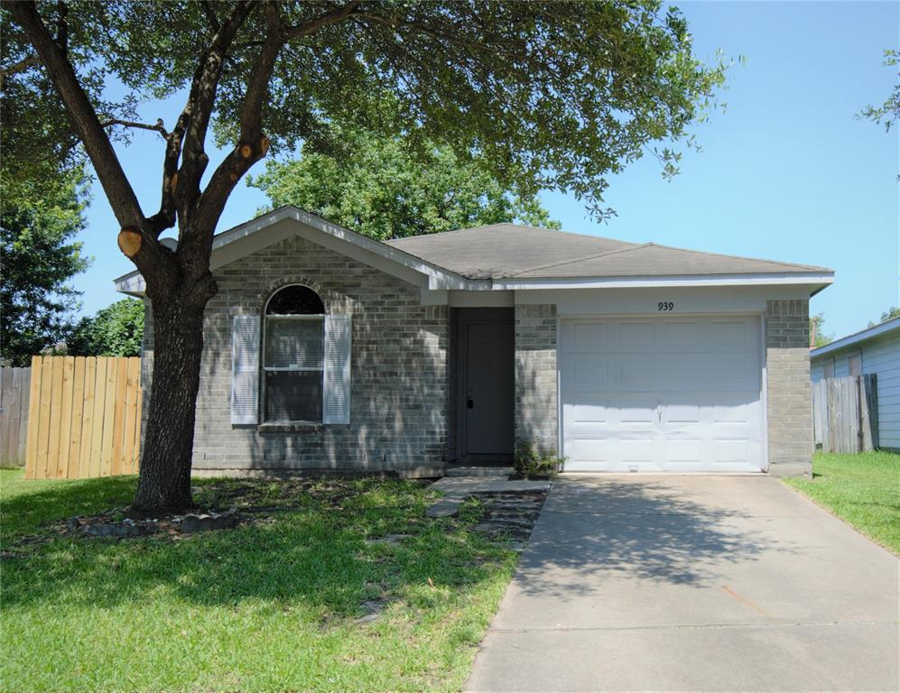 939 Leadenhall Circle Property Photo - Channelview, TX real estate listing