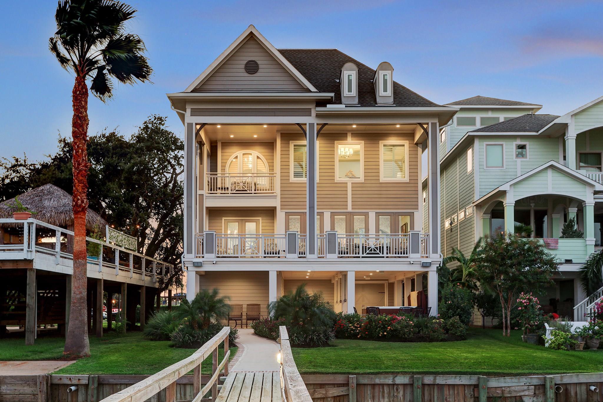 511 Bay Avenue Property Photo - Kemah, TX real estate listing