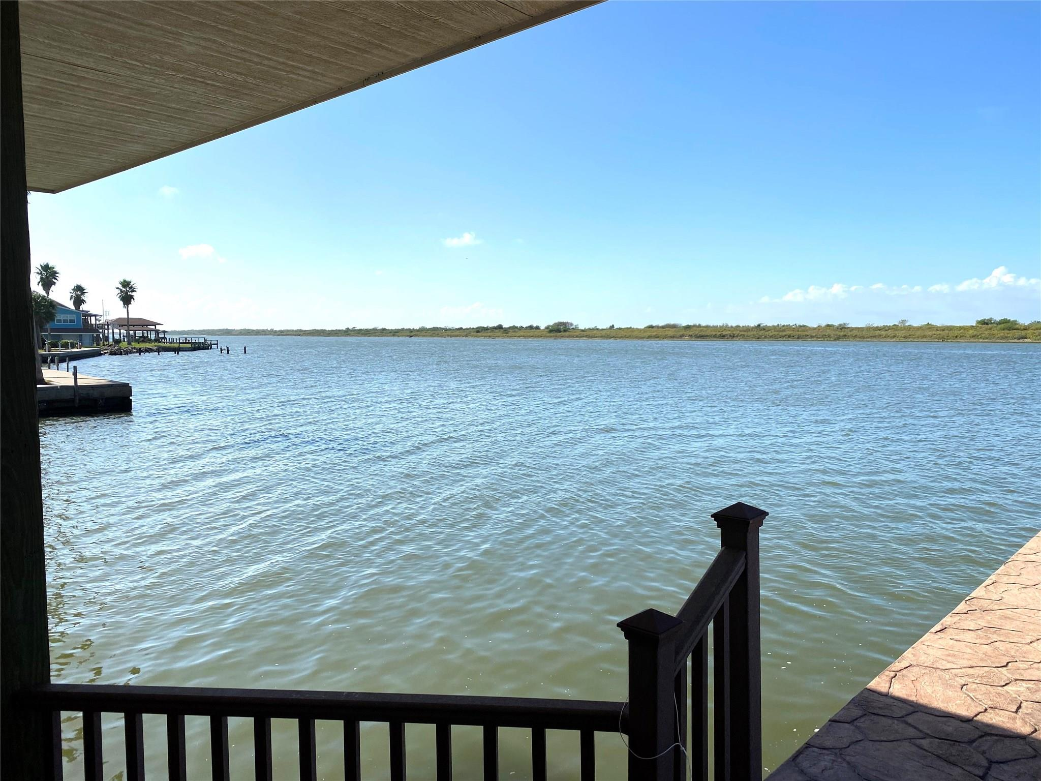 1301 Island Boulevard Property Photo - Crystal Beach, TX real estate listing