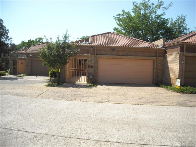 12 Hallmark Drive Property Photo - Panorama Village, TX real estate listing
