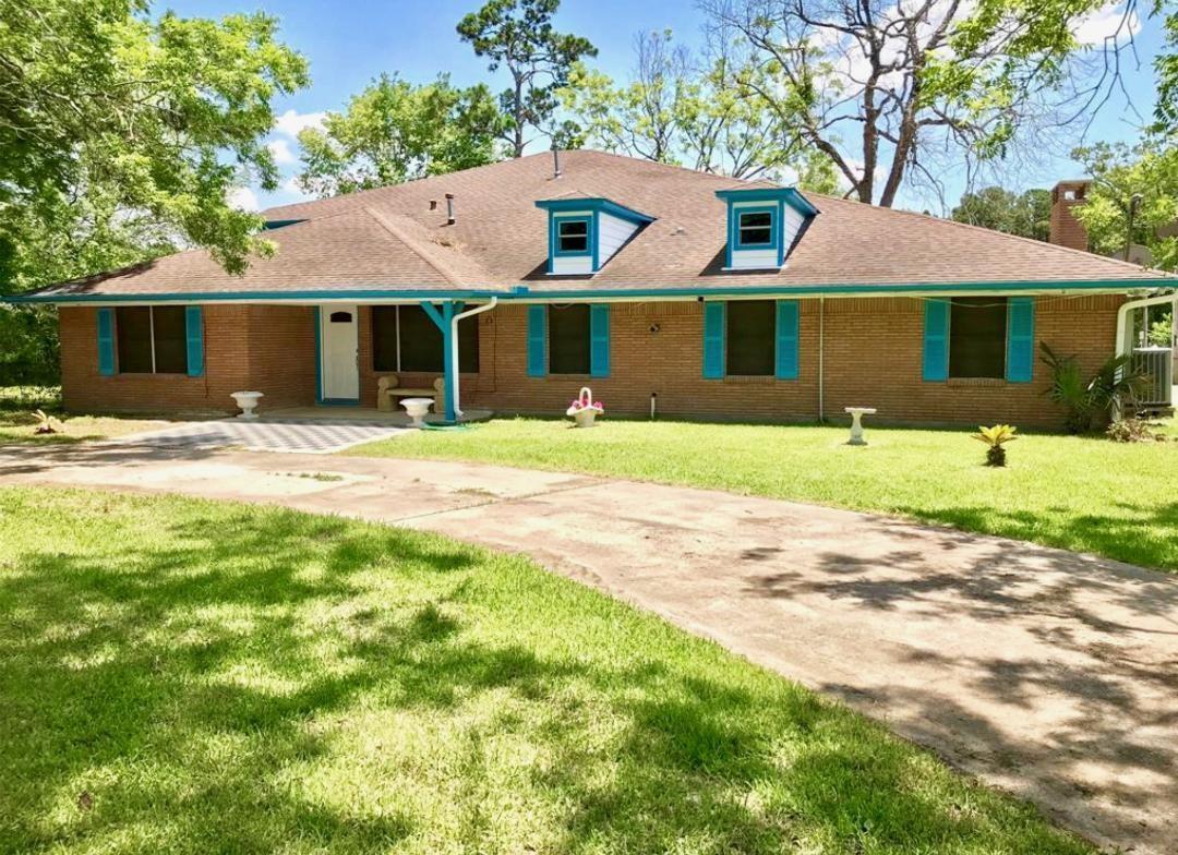 2230 Gault Road Property Photo
