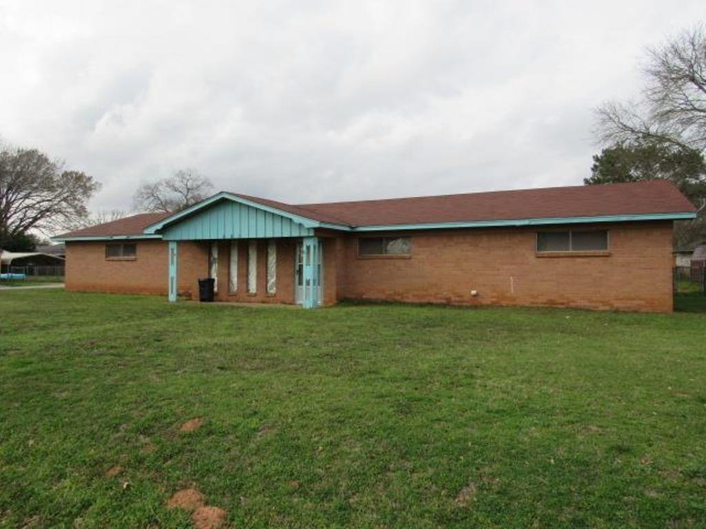 115 Larkspur Lane, Palestine, TX 75803 - Palestine, TX real estate listing