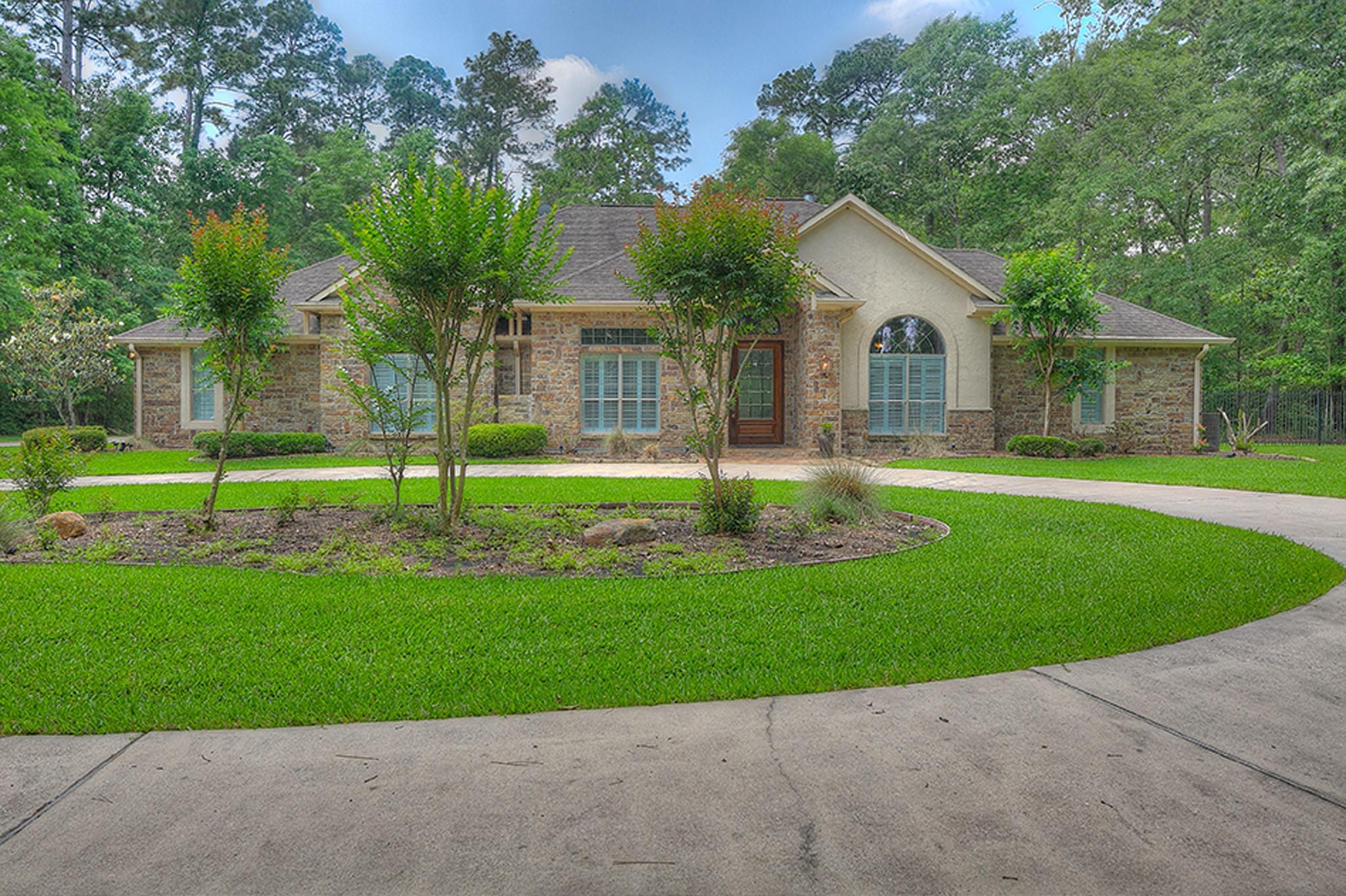 561 Lake Grove Drive Property Photo - Coldspring, TX real estate listing