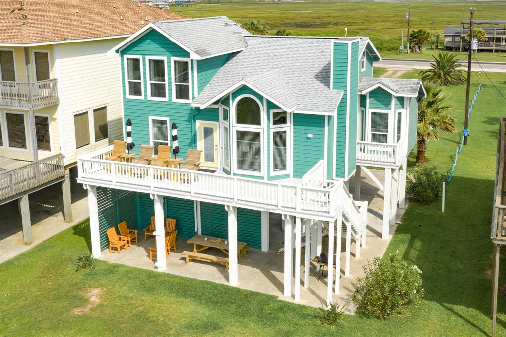 2418 Blue Water Highway Property Photo - Surfside Beach, TX real estate listing