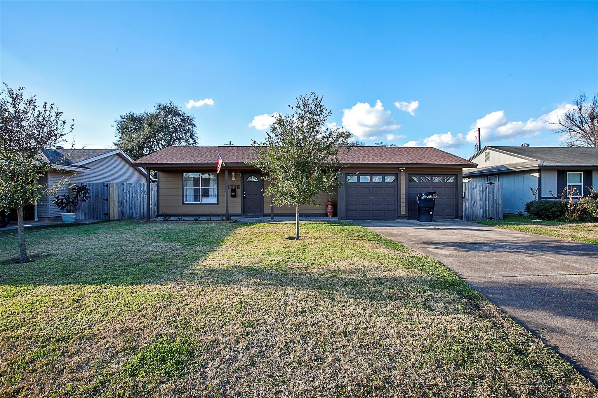 2716 Avenue N Property Photo - Nederland, TX real estate listing