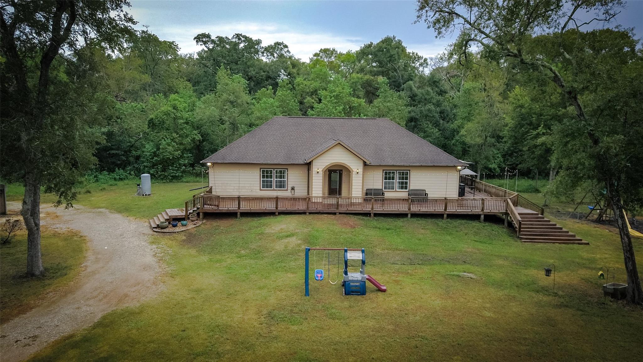 17903 Oak Bayou Road Property Photo - Damon, TX real estate listing