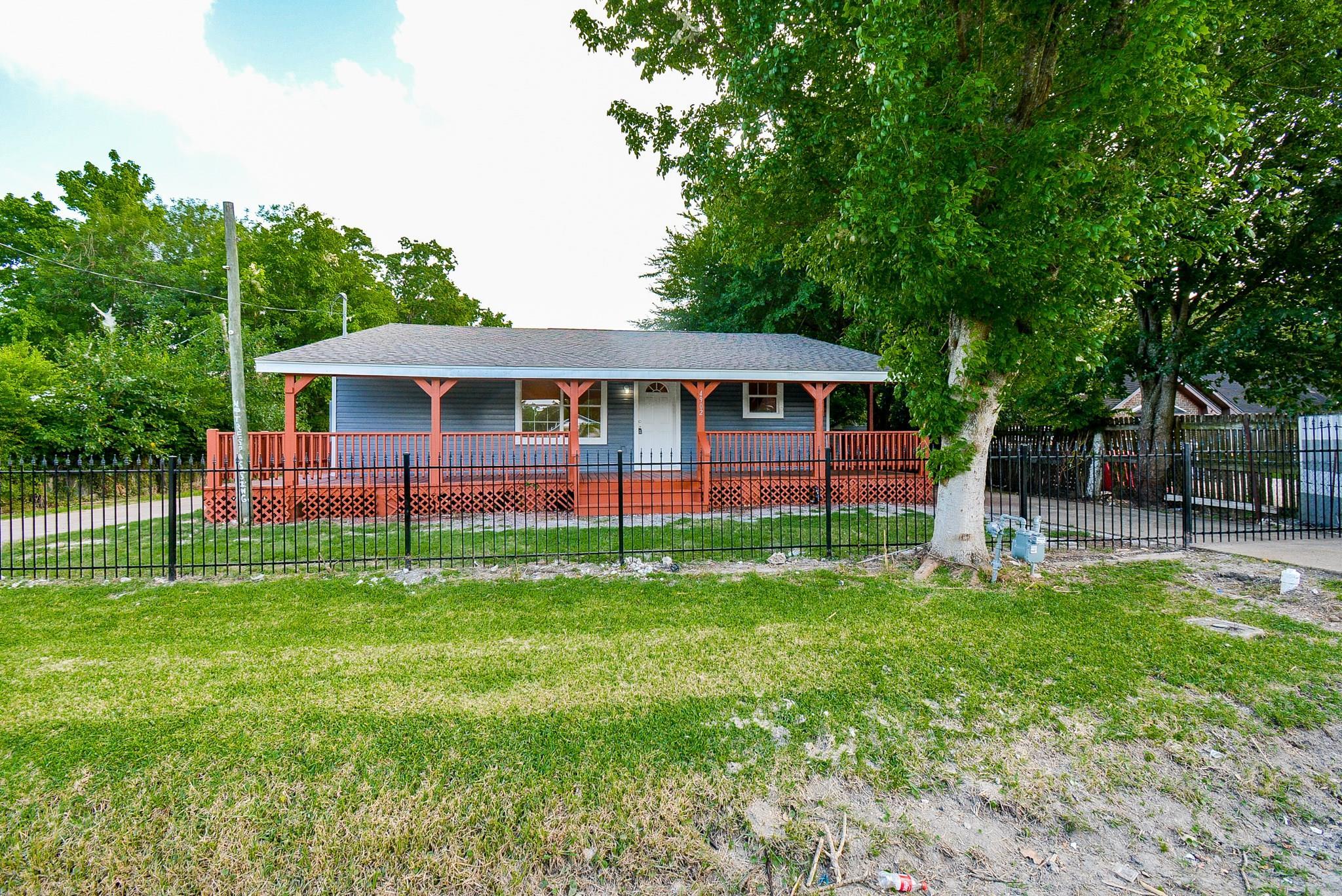 4902 Sycamore Avenue Property Photo - Pasadena, TX real estate listing