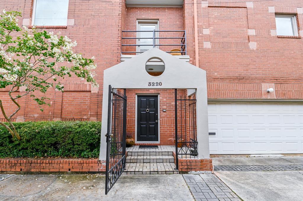 Alabama Court Real Estate Listings Main Image