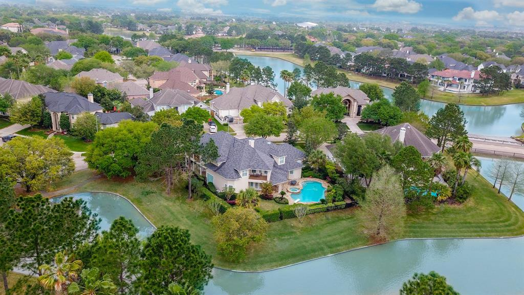 12711 Waterside Way Property Photo - Houston, TX real estate listing