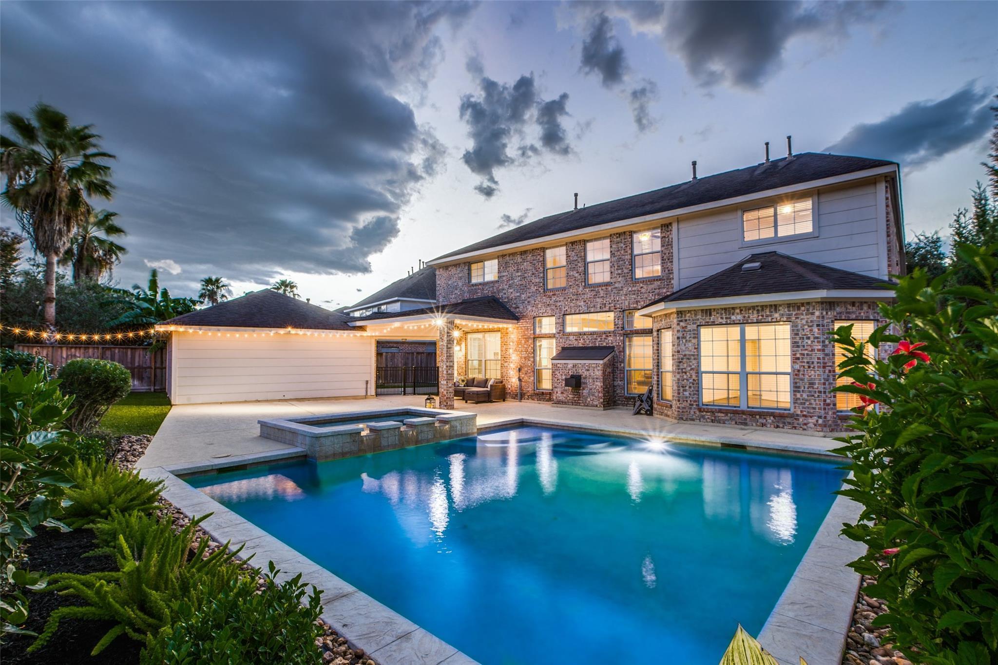17323 E Mill Village Circle Property Photo - Houston, TX real estate listing
