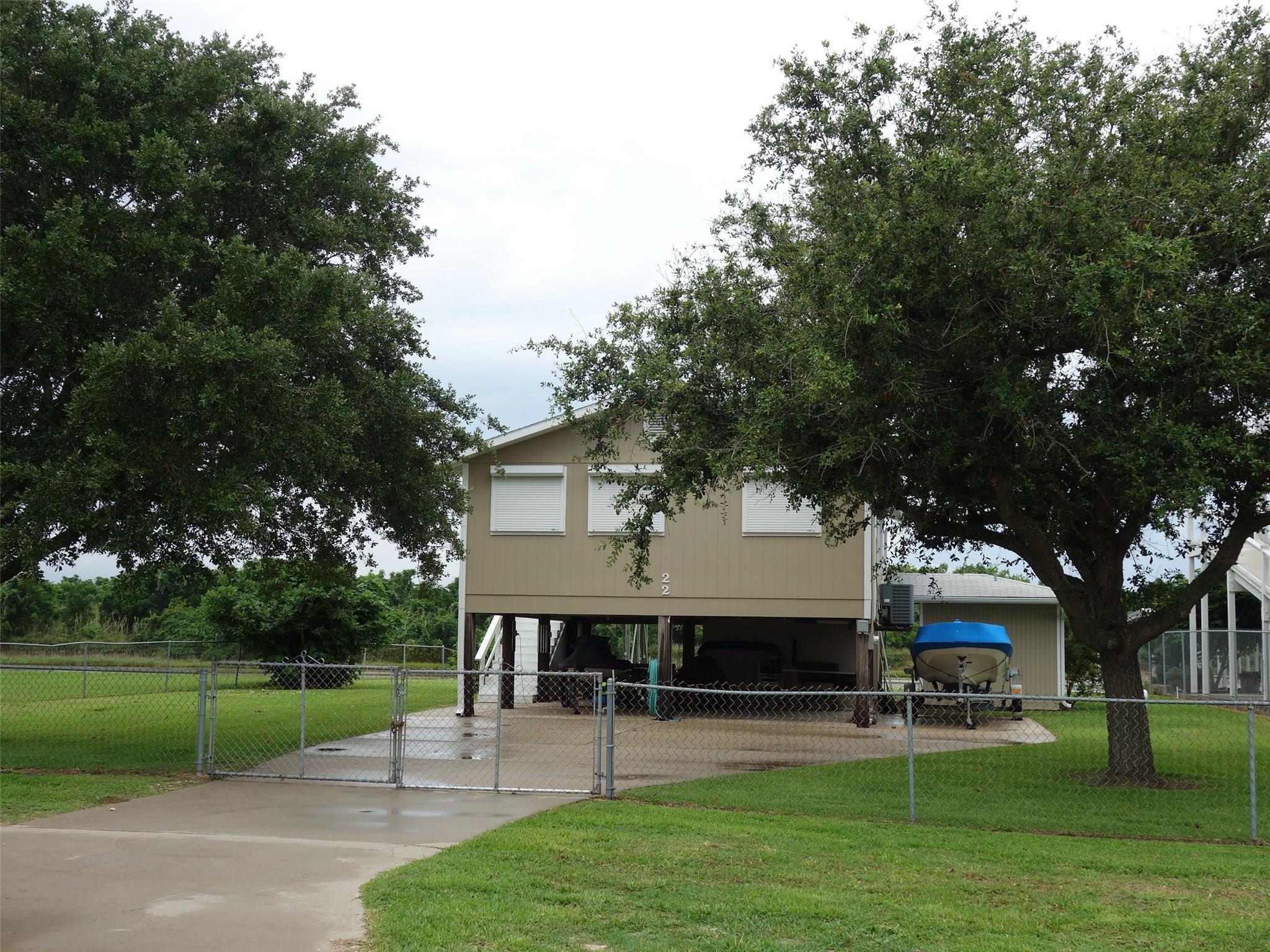 233 County Road 257 Property Photo - Matagorda, TX real estate listing