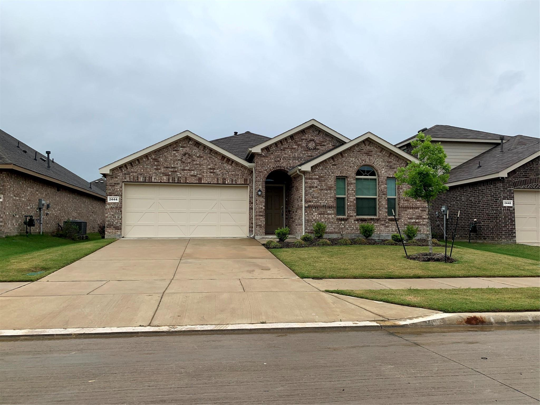 2444 Larimar Drive Property Photo - Aubrey, TX real estate listing