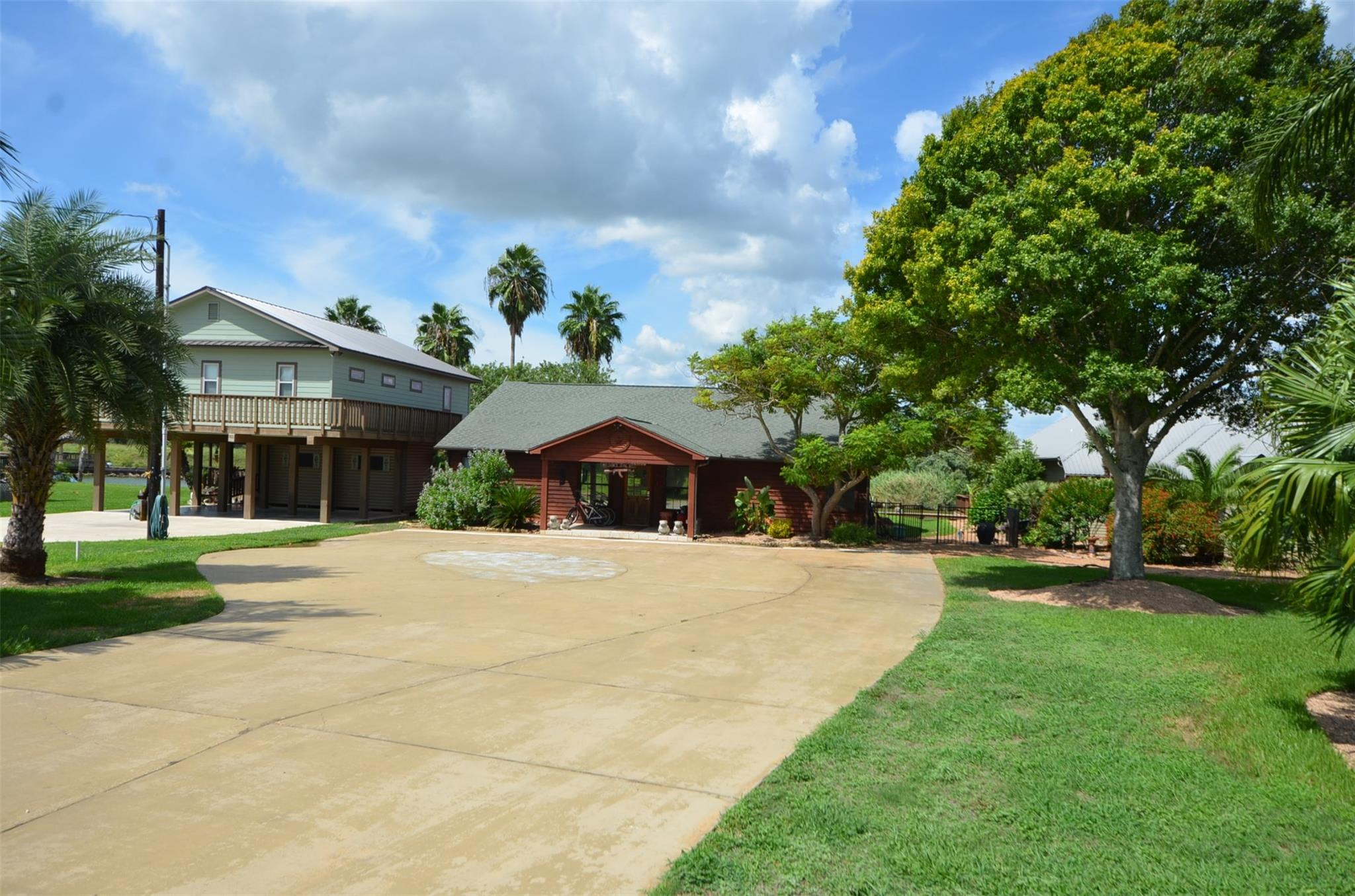 1764 County Road 243 Property Photo - Bay City, TX real estate listing