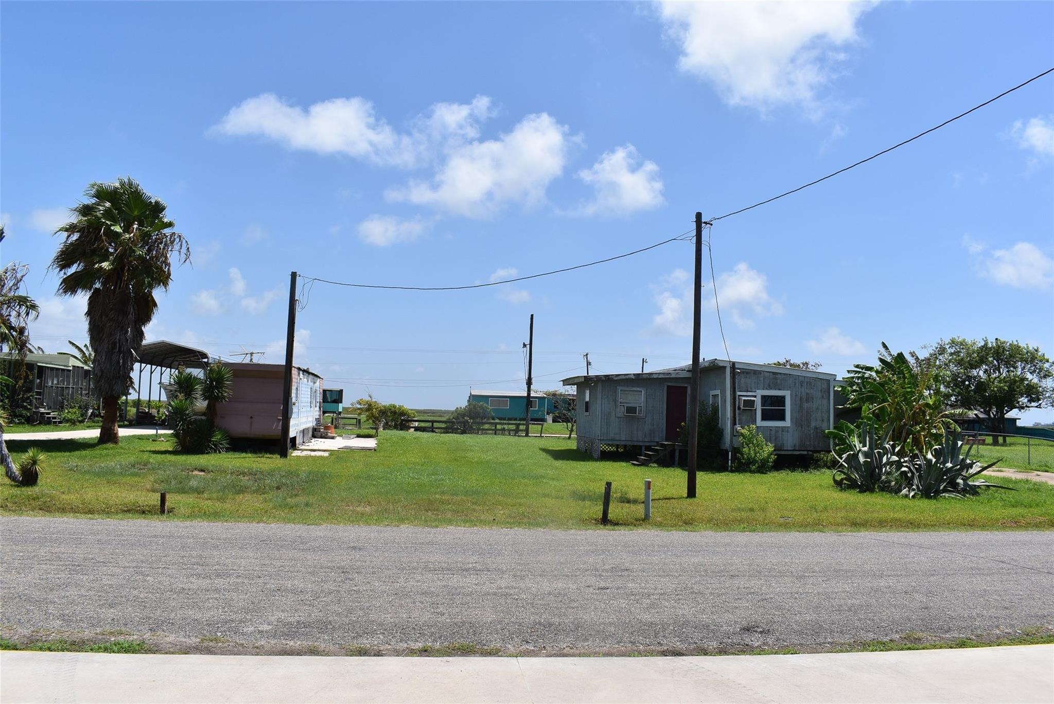 2340 Gulfview Property Photo 1