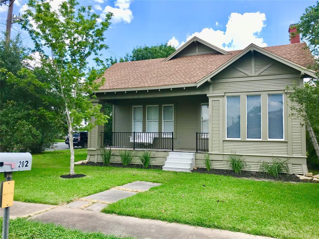 202 Summit St Property Photo - Schulenburg, TX real estate listing