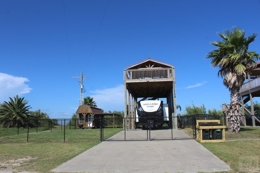 1158 Yacht Basin Property Photo - Gilchrist, TX real estate listing