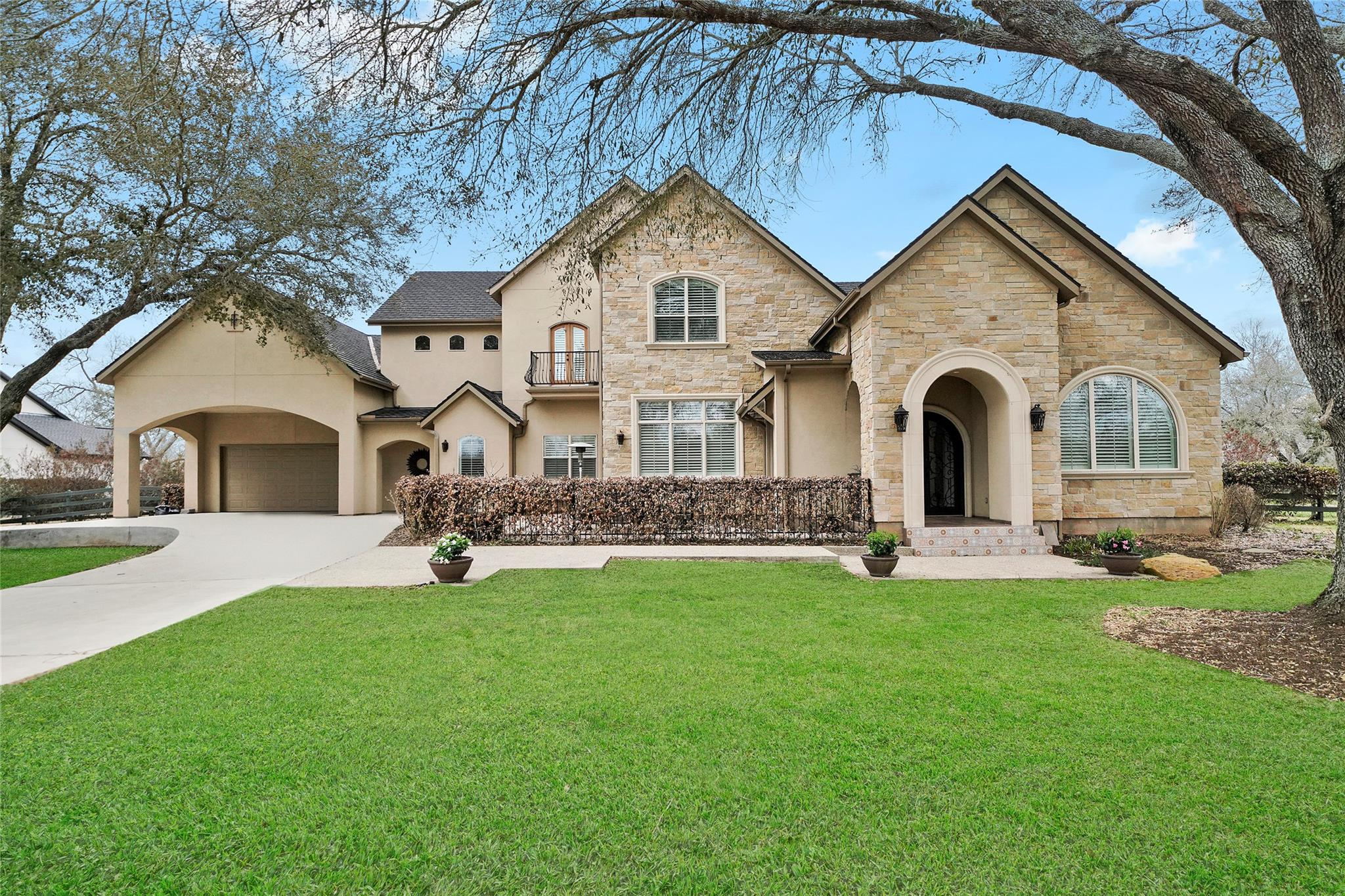 4411 Upper Oxbow Trace Property Photo - Fulshear, TX real estate listing