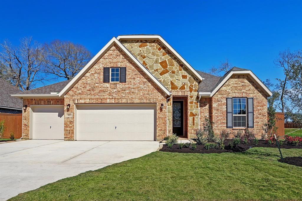 223 Bentwater Lane, Clute, TX 77531 - Clute, TX real estate listing
