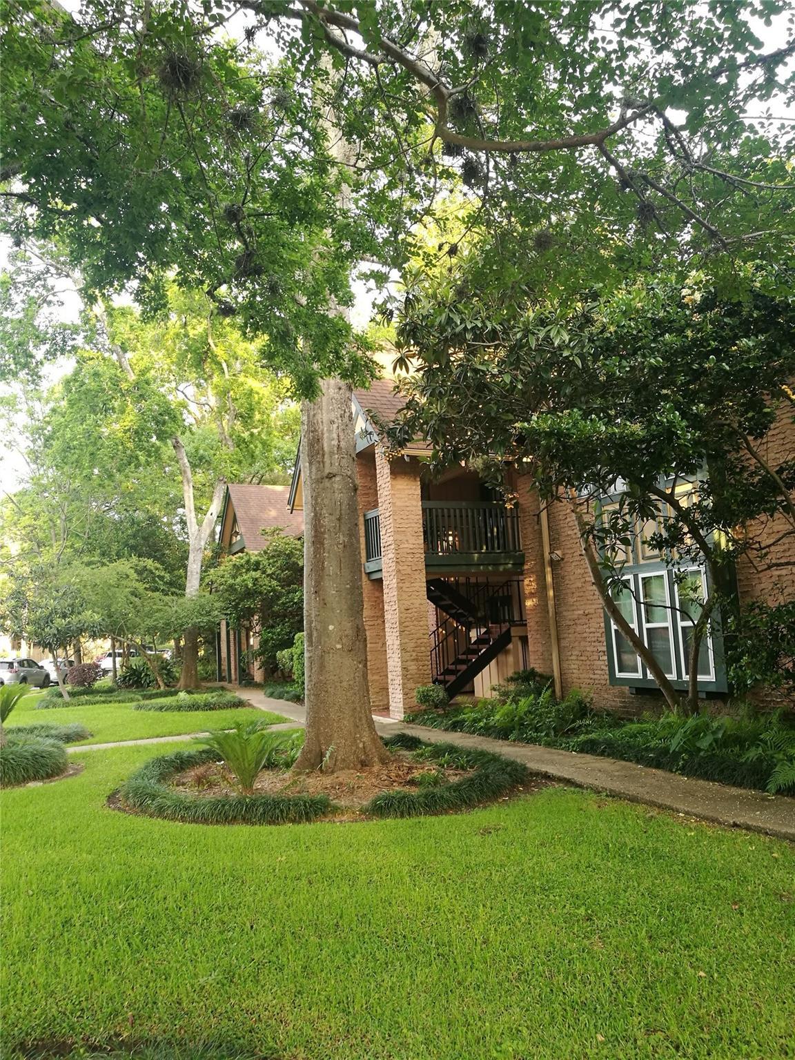 8255 Kingsbrook Road #241 Property Photo