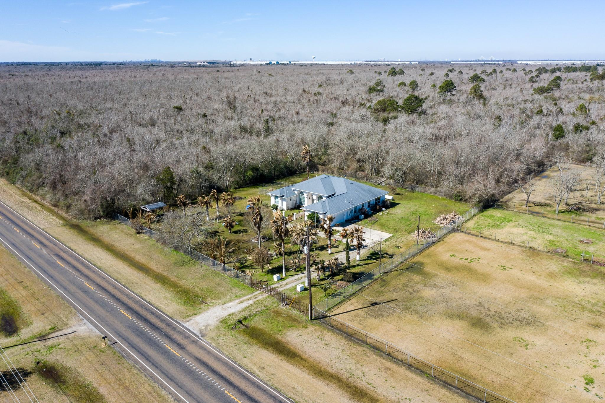 11480 FM 2354 Property Photo - Beach City, TX real estate listing