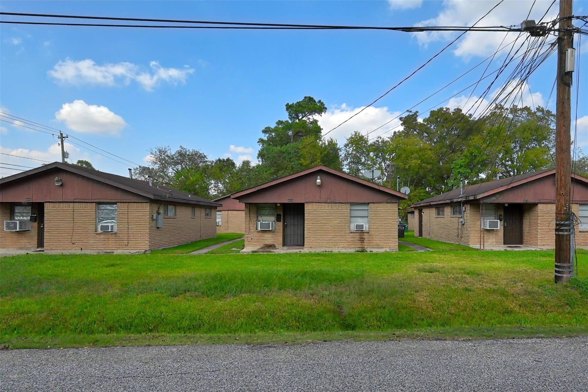 4901 Bostic Street #9 Property Photo - Houston, TX real estate listing