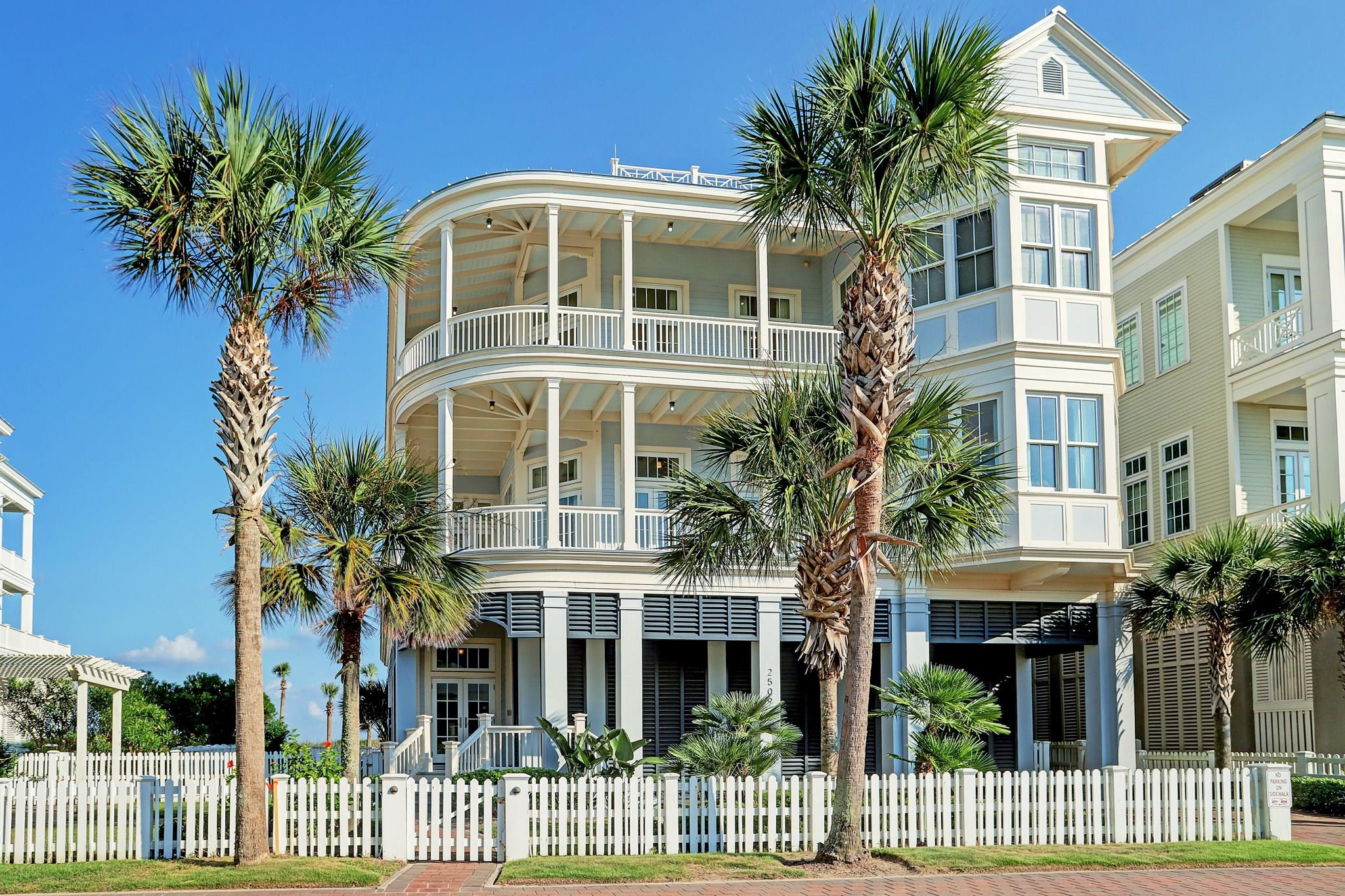 2509 E Seaside Drive Property Photo - Galveston, TX real estate listing