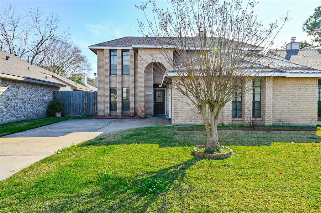 12327 Meadow Gate Drive Property Photo - Stafford, TX real estate listing