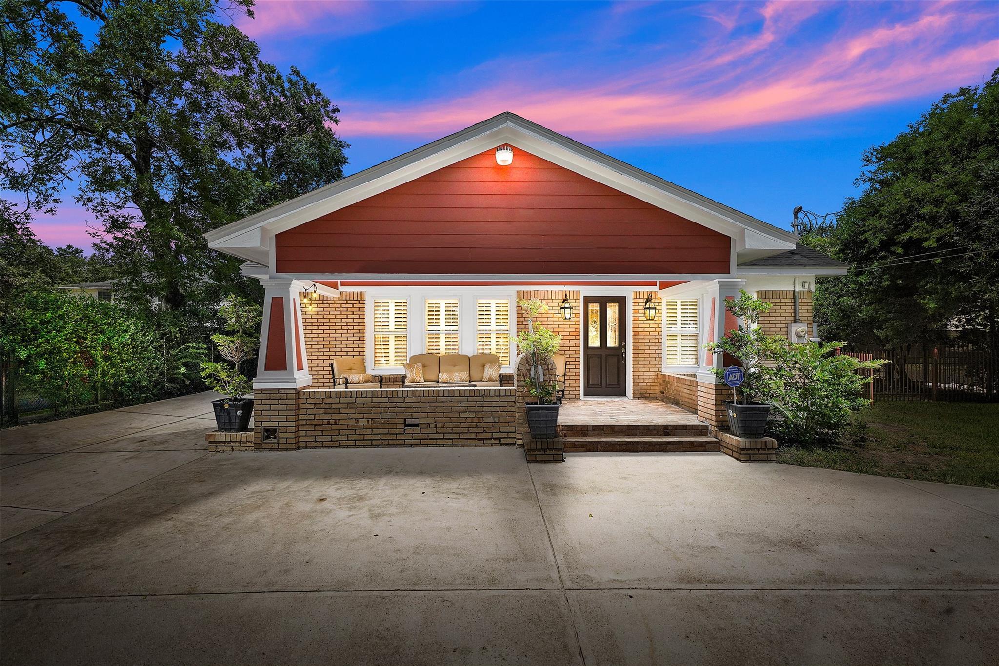 226 Delmar Street Property Photo - Houston, TX real estate listing