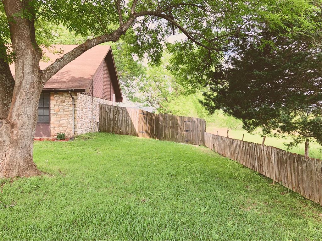 305 MATULA AVE Property Photo - Schulenburg, TX real estate listing
