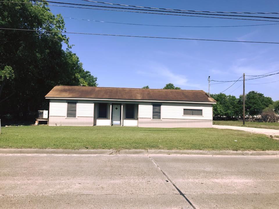 4815 N Main Street Property Photo - Baytown, TX real estate listing
