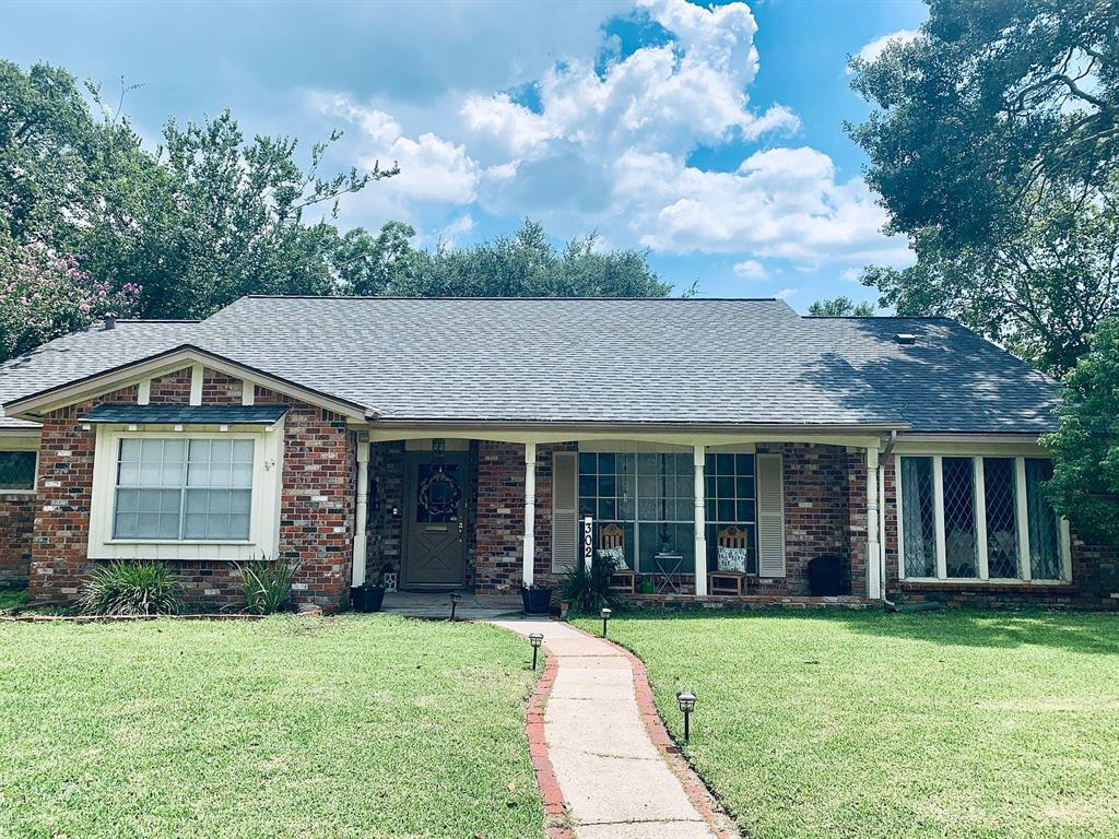 302 Shadow Creek Drive Property Photo - El Lago, TX real estate listing