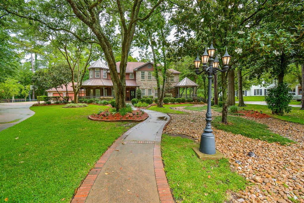 401 Charleston Dr Property Photo - Friendswood, TX real estate listing