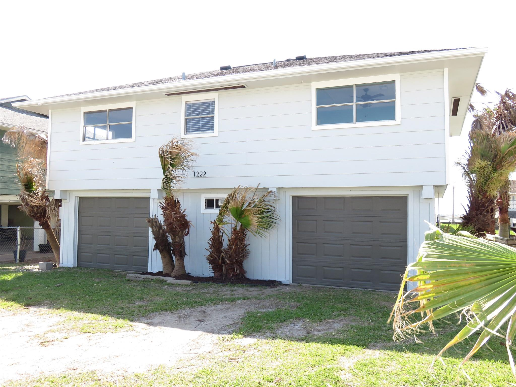 1222 Sailfish Street Property Photo - Bayou Vista, TX real estate listing