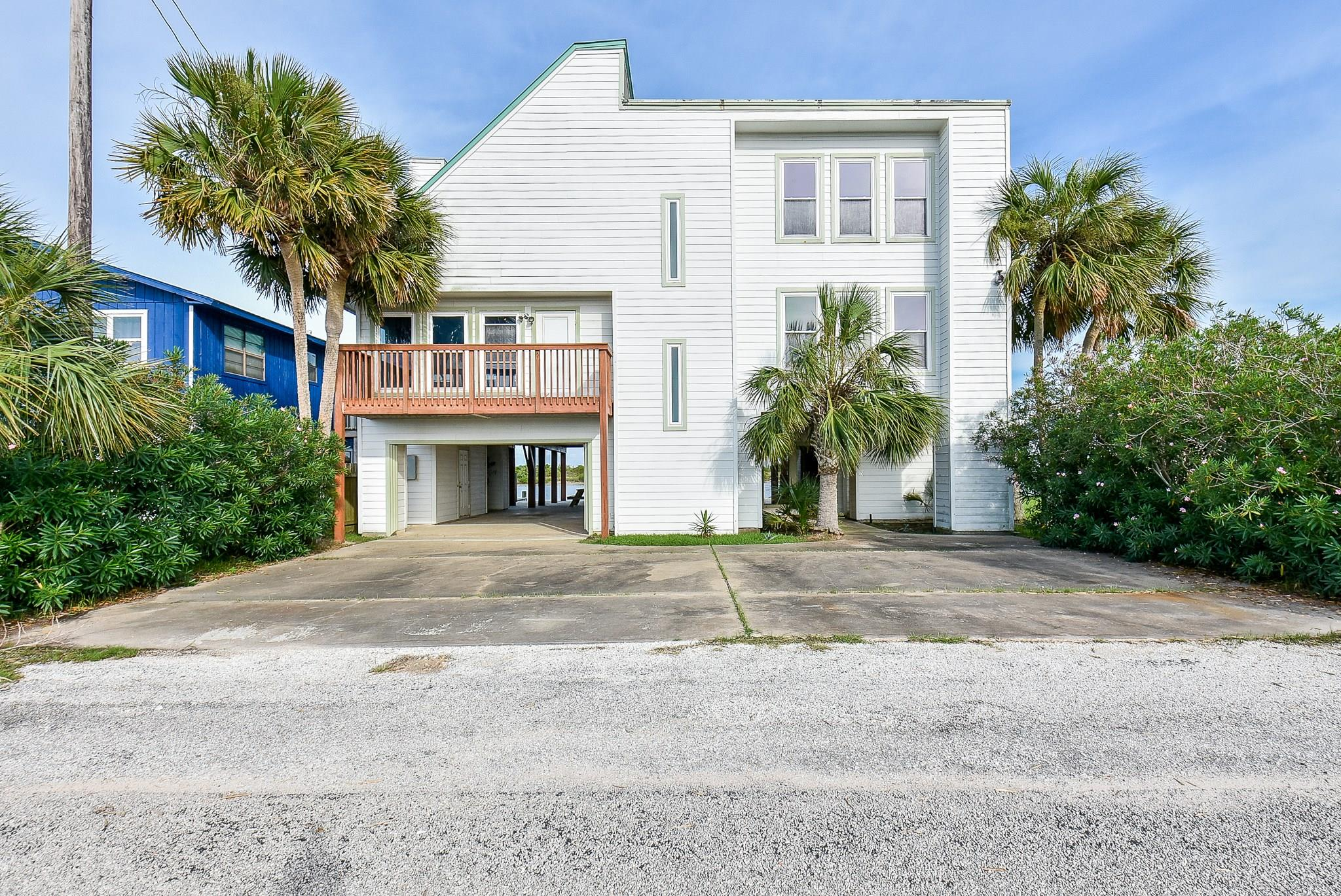 172 Fm 2031 Beach Road Property Photo - Matagorda, TX real estate listing